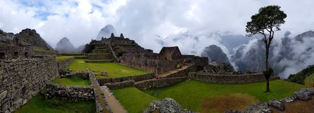 Machu Picchu, Incnca-Ruinen in den peruanischen Anden lizenzfreie stockbilder