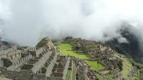 Machu Picchu, la ville antique d'Inca dans les Andes, Pérou clips vidéos