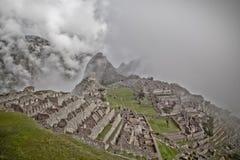 Machu Picchu leer bewölkt nebelig Nachdem dem Wandern auf dem ehrfürchtigen stockfotografie
