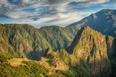 Machu Picchu, Pérou La ville antique d'Inca, située sur le Pérou à la montagne une altitude de 2.450 mètres photos stock