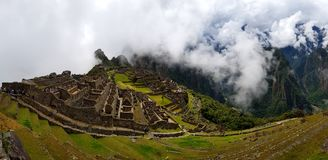 Machu Picchu, ruínas de Incnca nos Andes peruanos fotografia de stock royalty free