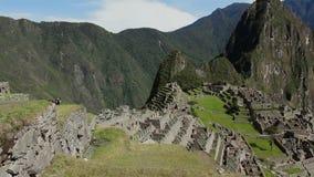 Machu Picchu - ruinas de Inca City, Perú almacen de metraje de vídeo