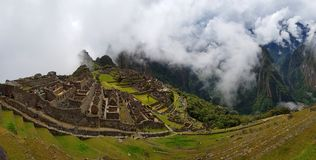 Machu Picchu, ruinas de Incnca en los Andes peruanos fotografía de archivo