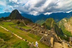Machu Picchu tarasy moczą widok od above Urubamba dolina below Peru podróży miejsce przeznaczenia, turystyki sławny miejsce Fotografia Stock