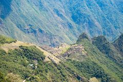 Machu Picchu tarasy moczą widok od above Urubamba dolina below Peru podróży miejsce przeznaczenia, turystyki sławny miejsce Obraz Stock