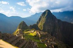 Machu Picchu tarasy moczą widok od above Urubamba dolina below Peru podróży miejsce przeznaczenia, turystyki sławny miejsce Obrazy Stock