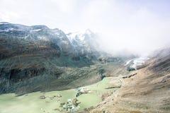 Maciço de Grossglockner e a geleira retraída foto de stock