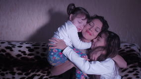 Macierzyści przytuleń dzieci zbiory wideo