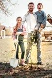 Macierzysta robi fotografia rodzina dla pamięci fotografia royalty free