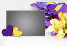 Macierzysta ` s dnia ilustracja z wiosną kwitnie, serca Obrazy Royalty Free
