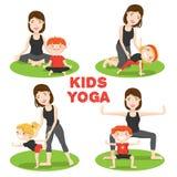 Macierzysty dziecka joga 4 ikony Ustawiającej ilustracja wektor