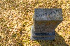 Macierzysty ` s Gravestone w Zachodnim Pólnocna Karolina fotografia royalty free