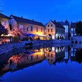 Macini il lago alla notte, Tapolca in Ungheria Immagine Stock