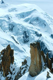 Macizo de la montaña de Mont Blanc (visión desde el soporte de Aiguille du Midi, F fotografía de archivo libre de regalías