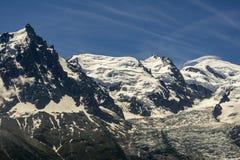 Macizo de Mont Blanc con DES visible Bossons del glaciar fotos de archivo libres de regalías