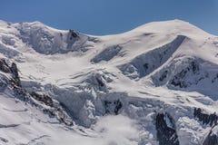 Macizo de Mont Blanc en las montañas francesas imágenes de archivo libres de regalías