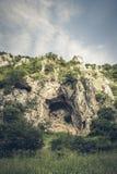 Macizo rocoso en las gargantas del río de Platano foto de archivo