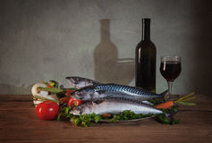 Mackerel fish, vegetables and wine Royalty Free Stock Photos