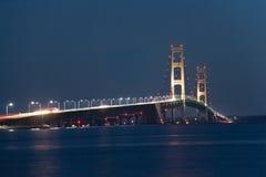 Mackinac bro på natten Royaltyfria Foton