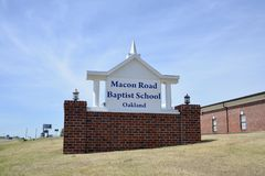 Macon Road Baptist School, Oakland Tennessee stock foto's