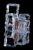 macro 4 de 5 cubos de hielo Imágenes de archivo libres de regalías