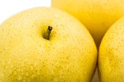 Macro amarilla mojada de la pera Fotografía de archivo libre de regalías