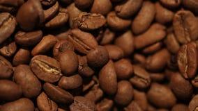 Macro chariot tiré des grains de café Trouvez les agrafes semblables dans notre portfolio clips vidéos