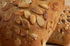 Macro/close up de um pão dietético com sementes Fotos de Stock