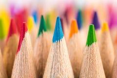 Macro colpo dei punti della matita di colore Immagini Stock