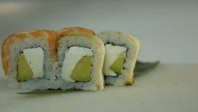 Macro colpo dei sushi Ristorante giapponese, sushi, tradizione orientale stock footage