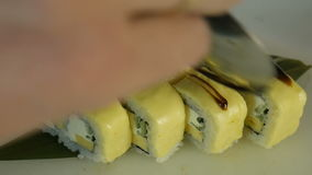 Macro colpo dei sushi Ristorante giapponese, sushi, tradizione orientale archivi video