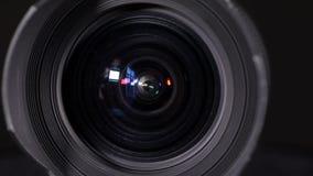 Macro colpo dell'obiettivo grandangolare stock footage