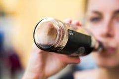 Macro colpo della bottiglia immagini stock