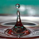 Macro colpo delle gocce di acqua fotografie stock libere da diritti