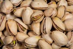Macro de algunos pistachos Imagen de archivo