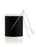 Macro de bobine d'aiguille et de fil de couture Images libres de droits