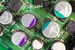 Macro de condensateur de panneau d'ordinateur de carte PCB Photos libres de droits