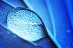 Macro de la gota del agua fotografía de archivo libre de regalías
