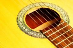 Macro de la guitarra acústica Foto de archivo libre de regalías