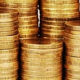 Macro de la pila del dinero del oro imagen de archivo
