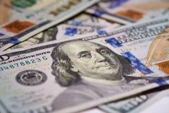 Macro de monnaie fiduciaire américaine en valeur cent dollars, la nouvelle facture américaine photographie stock