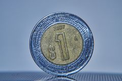 Macro de pièce de monnaie de peso mexicain image stock