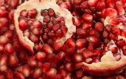 Macro de sementes maduras descascadas da romã Foto de Stock Royalty Free