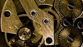 Macro de trabajo del mecanismo del reloj del vintage del oro almacen de video
