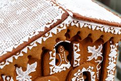 Macro de una casa de pan de jengibre del día de fiesta Fotografía de archivo