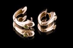 Macro del anillo de oído en negro Fotos de archivo