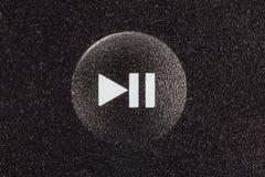Macro del botón del juego y de pausa imágenes de archivo libres de regalías