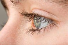Macro del ojo del adolescente Imagen de archivo libre de regalías