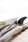 Macro della forchetta e del cucchiaio del coltello Fotografia Stock