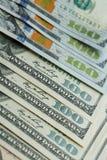Macro dichte omhooggaand van het gezicht van Ben Franklin ` s op de dollar van de V.S. 100 Stock Foto's